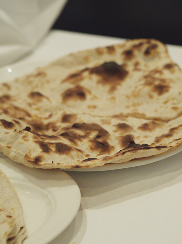 Tandoori roti at Voujon, Edinburgh