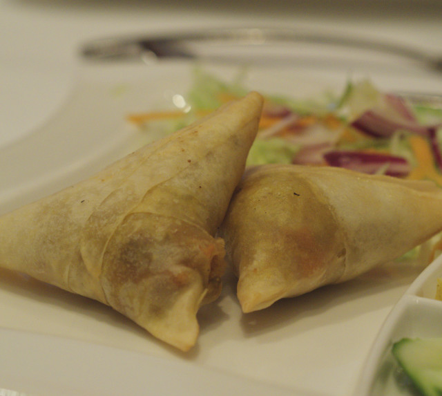 Vegetable samosas at Voujon, Edinburgh