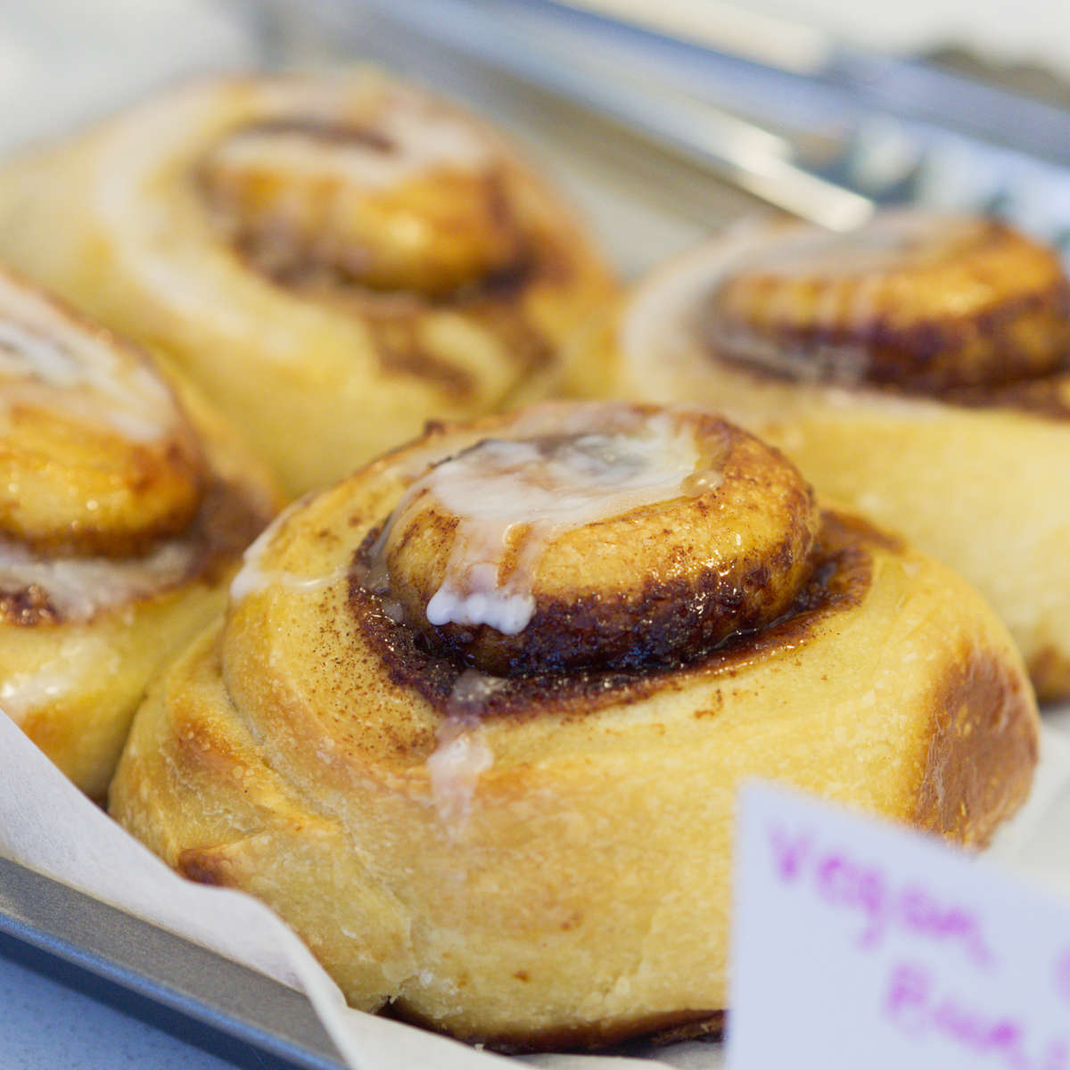 Vegan cinnamon rolls at Brochan, Edinburgh