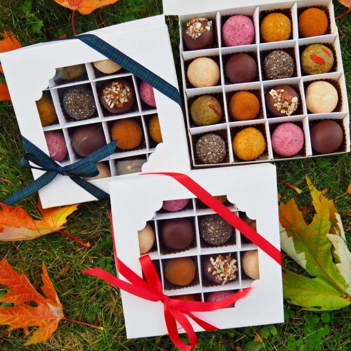 Christmas truffles by Rawsmary